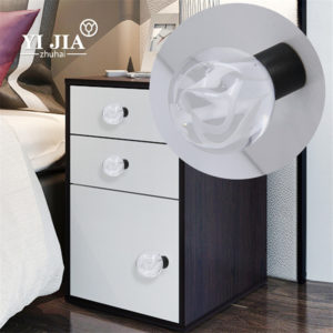dresser knobs and pulls